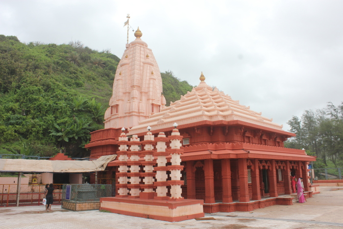 Ganpatipule India  city photos gallery : Trunk Call: 10 Unusual Ganesha shrines of India