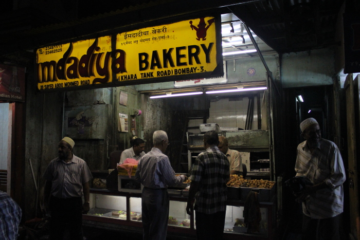 The Feast Amp The Furious Mumbai Ramzan Food Guide Redscarab