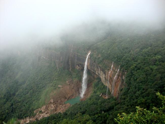Nohkalikai falls at Cherrapunjee