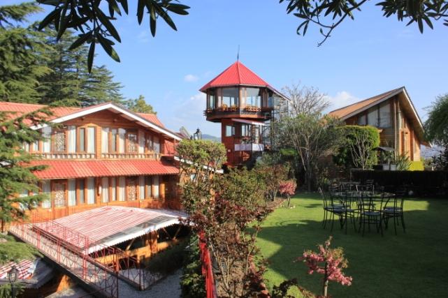 IMG_5884 Chalets Naldehra revolving restaurant_Anurag Priya
