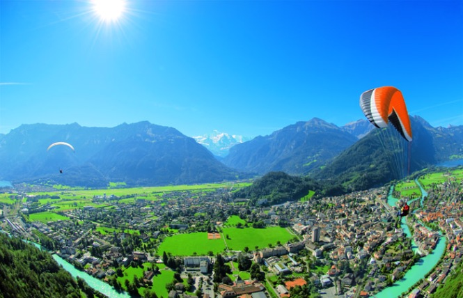 Switzerland_Paragliding from Jungfrau
