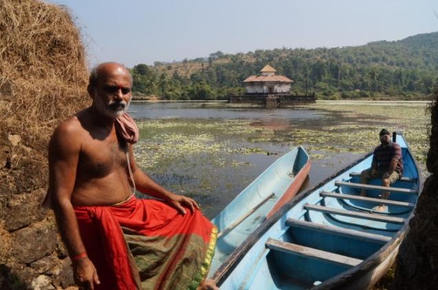 Karnataka_Varanga Jain jala mandir DSC04418_Anurag & Priya