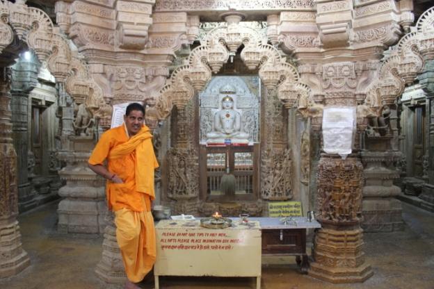 Rajasthan_Jaisalmer Fort Jain temple idol IMG_2592_Anurag & Priya