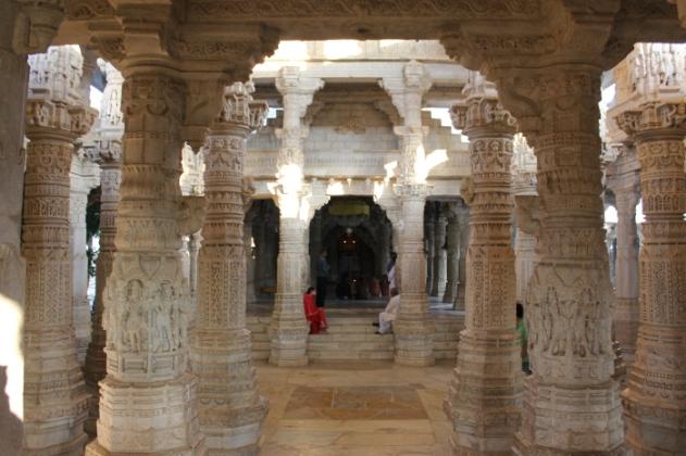 Rajasthan_Ranakpur Jain temple IMG_0933_Anurag & Priya