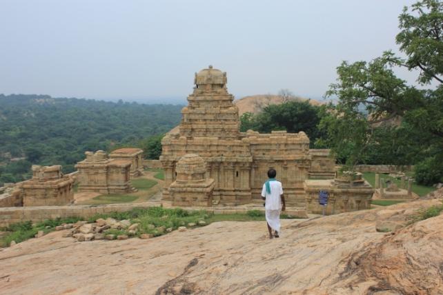 IMG_8642 Vijayalayacholeswaran Shiva temple atop Melamalai in Narthamalai-Anurag Mallick_Priya Ganapathy