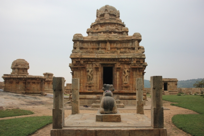 IMG_8649 Vijayalayacholeswaran Shiva temple atop Melamalai in Narthamalai-Anurag Mallick_Priya Ganapathy