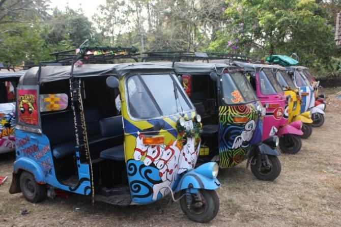 IMG_9548 Rickshaw Run parking lot_Anurag Mallick