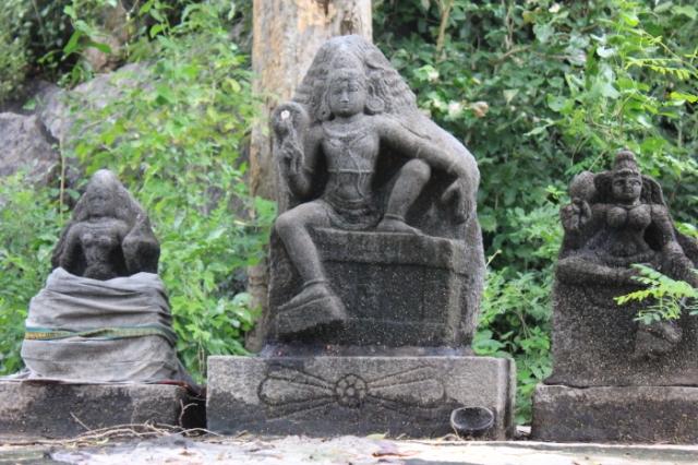 IMG_8761 Melamalai Ayyanar shrine at Narthamalai-Anurag Mallick_Priya Ganapathy
