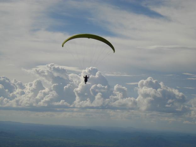 Paragliding at Yelagiri DSC01111