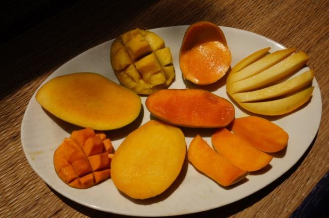 Assorted mangoes DSC05365_Anurag Priya