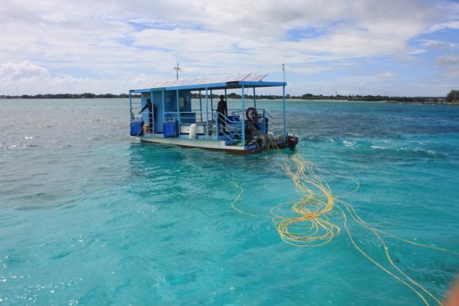 Solar Undersea Walk platform IMG_1656