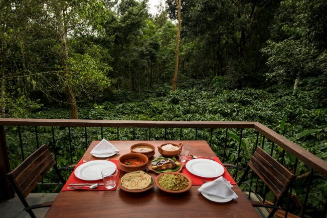 the-restaurant-deck