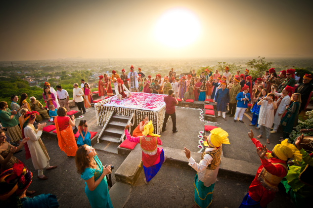 neemrana_all-ready-for-the-jaimala-at-shatranj-terrace