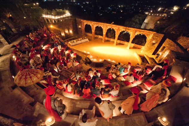 neemrana_entertainment-at-the-amphitheatre