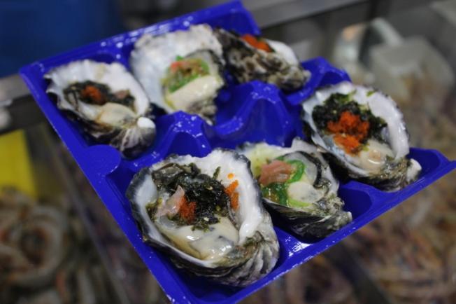 victoria-market-fresh-oysters-img_6428_aus-anurag-mallick
