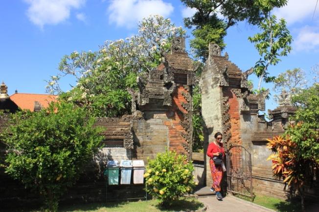 Ubud-Pura Desa Batuan IMG_3964_Anurag Mallick