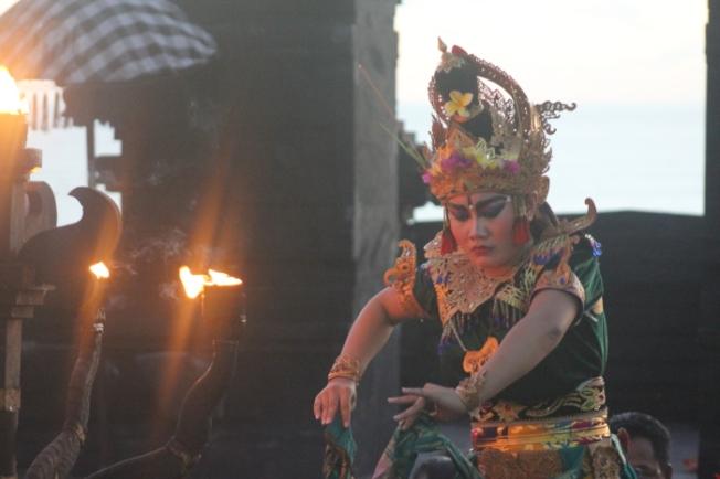 Uluwatu kecak performance IMG_3710_Anurag Mallick