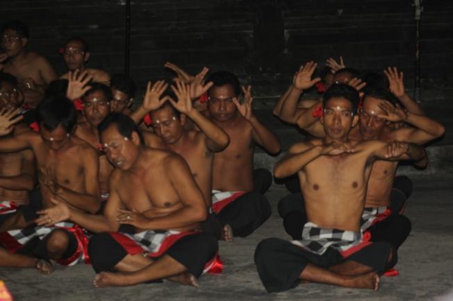 Uluwatu kecak performance IMG_3875_Anurag Mallick