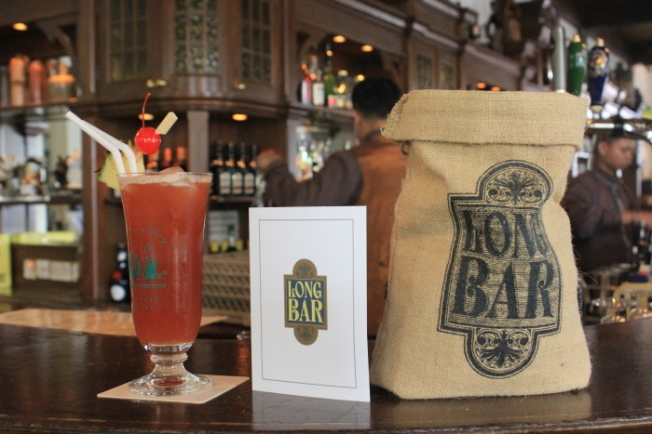 Long Bar Raffles Hotel-Singapore Sling IMG_7657_Anurag Mallick