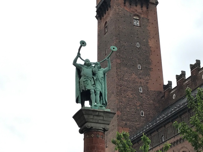 IMG_0458-Lurs Blowers statue, a tribute to the Viking legacy of Denmark