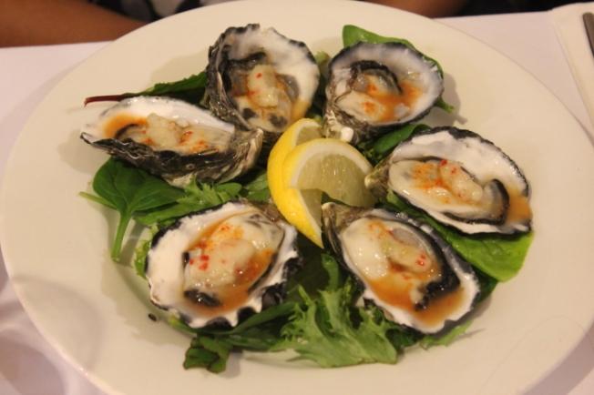 Food-Tasmanian oysters IMG_5904_Phillip Island-Anurag Mallick