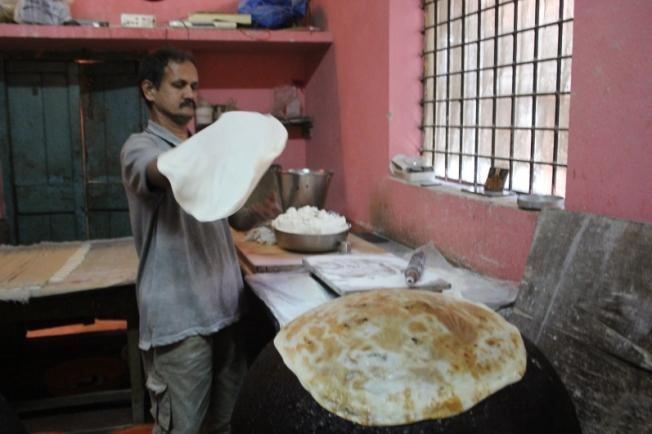 Krishnamurti Saralaya's mandige shop at Belgaum IMG_5840_Anurag Mallick