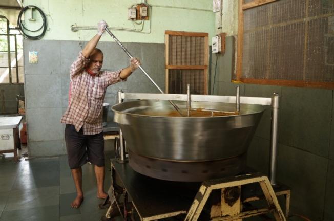Mishra peda factory DSC02890_Anurag Mallick