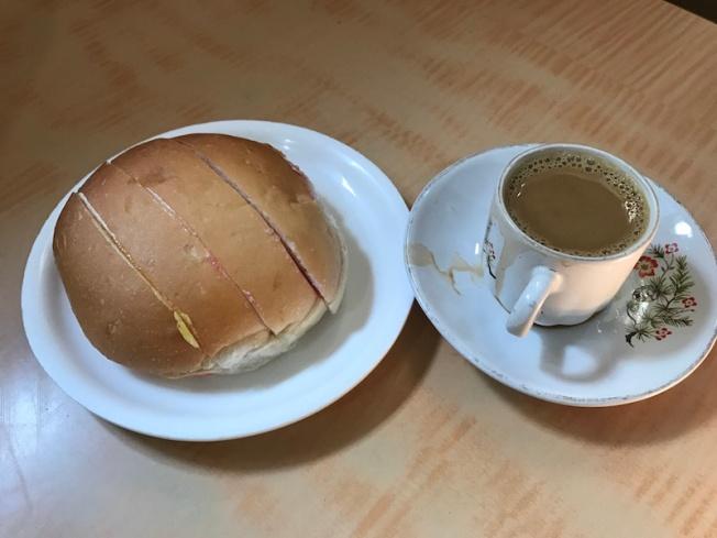 Bun maska tea at an Irani cafe IMG_8073