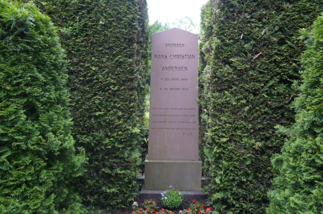 DSC03312-Final resting place of Denmark's national treasure, H C Andersen at Assistens Cemetery_Priya Ganapathy