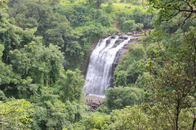 Rapelling down Vihigaon Waterfall IMG_3017