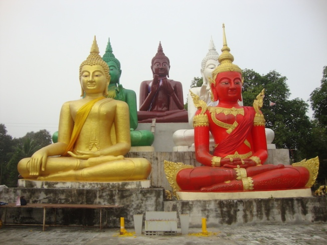 Five Buddha statues DSC00937