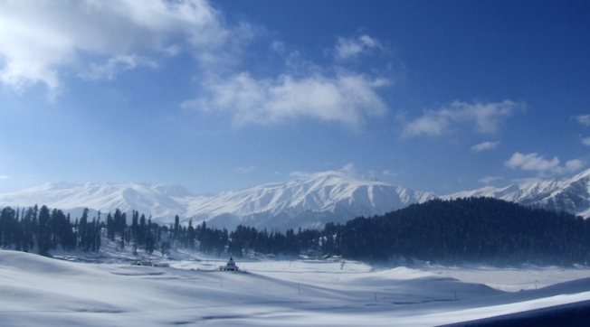 Skiing in Gulmarg - Winter landscape