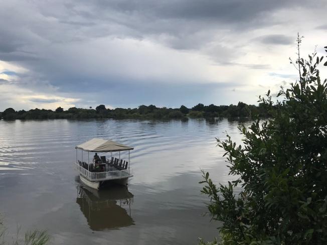 kafue-mukambi safari lodge boat safari img_2964