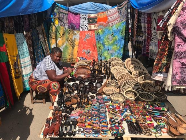 Lusaka-Sunday market IMG_4684